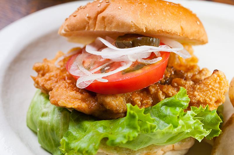 レストランのオススメは「近江の地鶏」