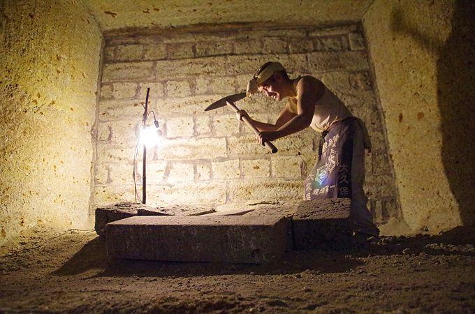 地下神殿と見まがう坑内誕生の歴史