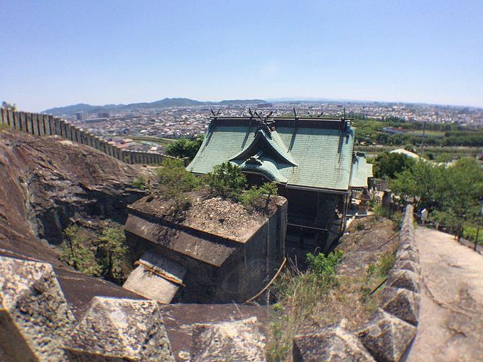 生石神社は、いにしえからの観光スポット