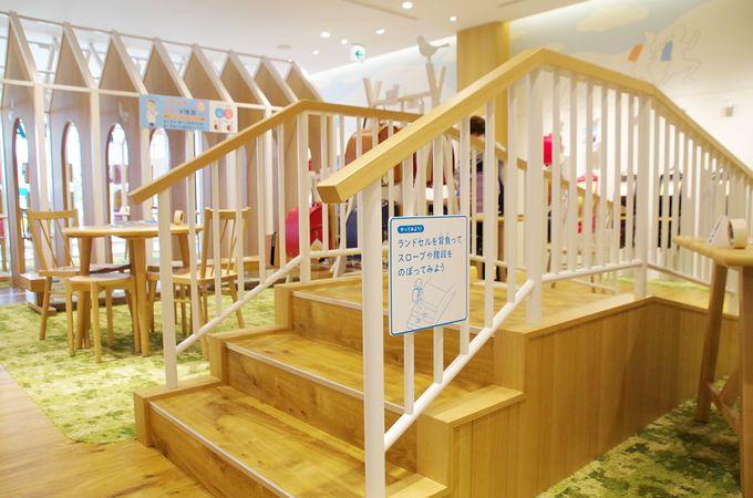 1階は体験しながら選べる直営店FACTORY SHOP