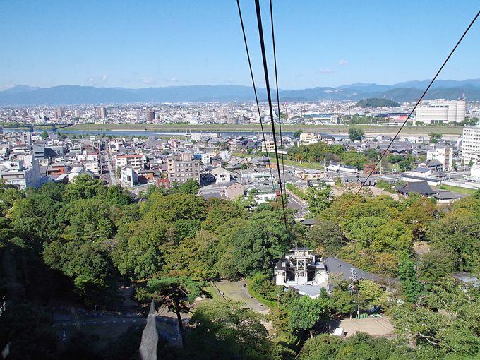 ロープウェーで3分、徒歩約8分で天下を制す岐阜城へ