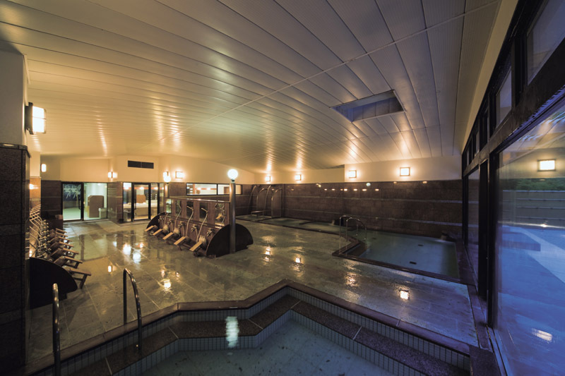 霊験あらたかな倉敷由加温泉でのんびりと