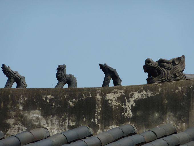 孫悟空が宮殿を守る?屋根の上にも注目!