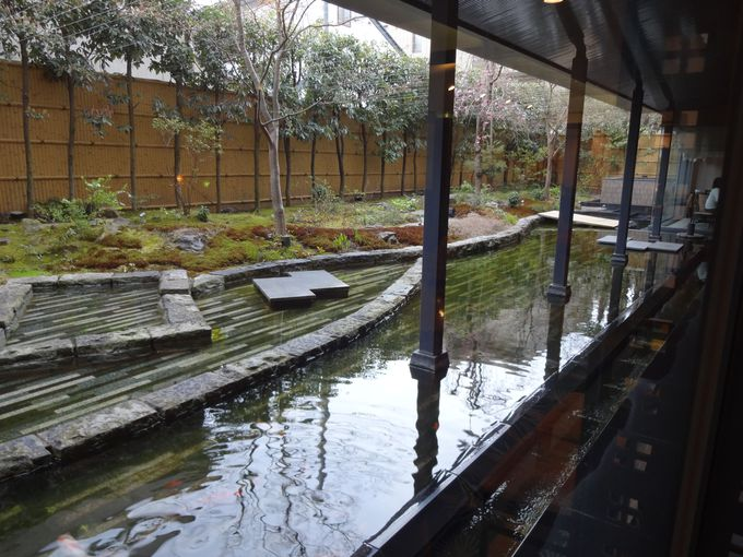 やっぱり日本庭園を眺めながらの食事が嬉しい