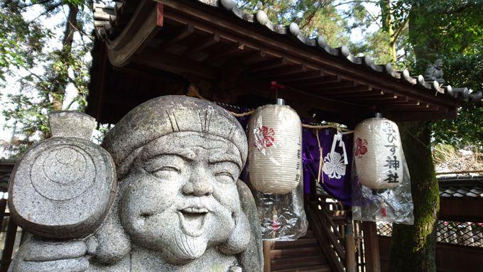 まずは大黒・恵比寿がお出迎え。ここ立木神社には日本各地から大物神様が集結!