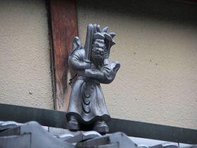 京町屋の小さな守り神「鍾馗さん」を探して、京都の街並み散策を楽しもう!