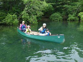 ファミリーで楽しむ!洞爺湖カヌー体験で大自然を満喫しよう!