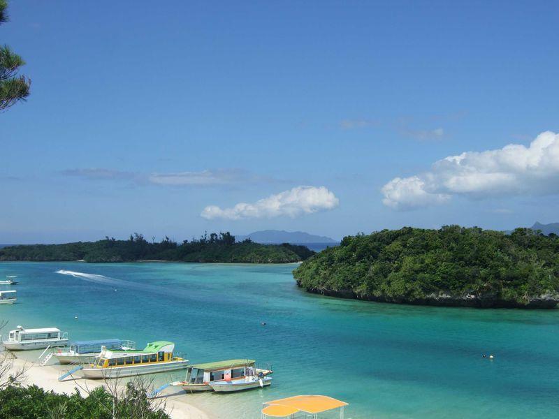 誰しも行けば納得癒しの旅!風光明媚な石垣島の川平湾とかわいいリスザル♪