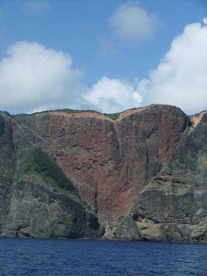 小笠原諸島の父島にはハート型の岩があるのです!