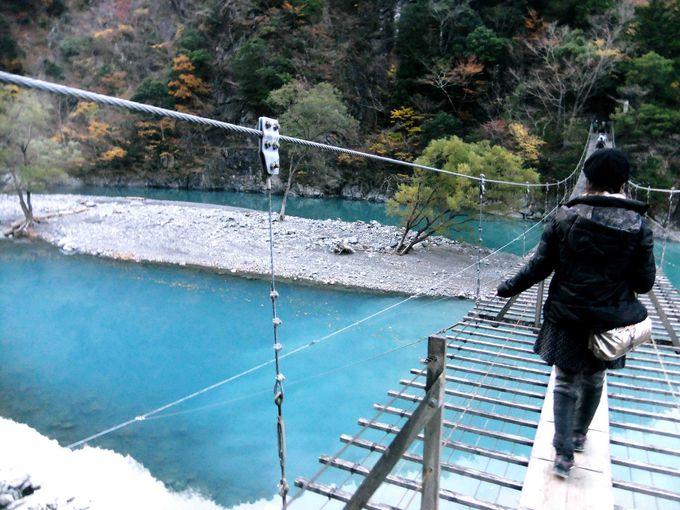 夢の吊橋は長さ90m、高さ8m