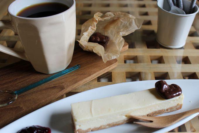 オススメはスティックチーズケーキとブレンドコーヒー!