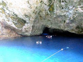 階段100段で神秘的青の洞窟!サイパン・グロットで絶景シュノーケリング&ダイビング!
