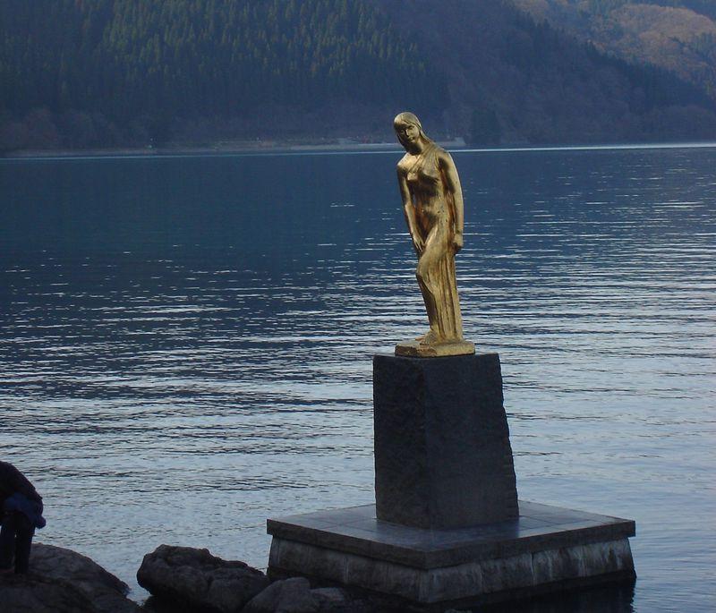 美容に縁結び、秋田県田沢湖は女性に嬉しいパワースポット!