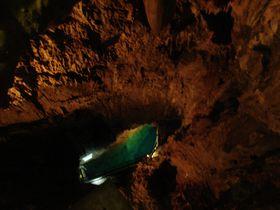 神秘の絶景!ドラゴンブルーの地底湖を有する岩手県龍泉洞