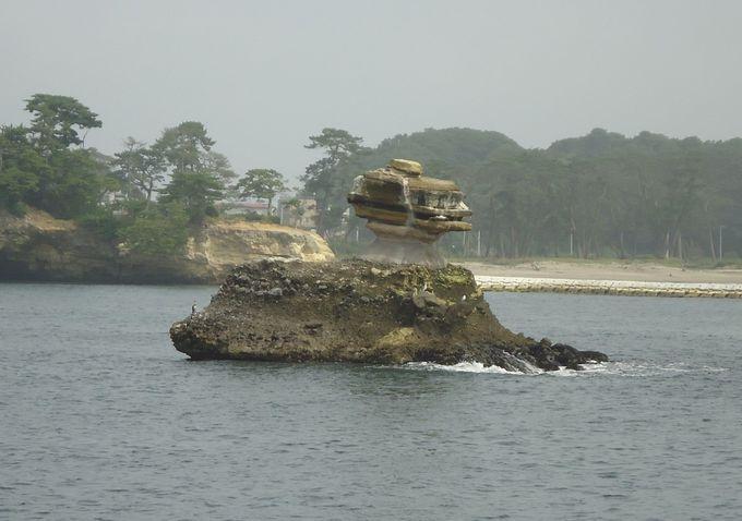 「仁王島」まではのんびりとした船旅
