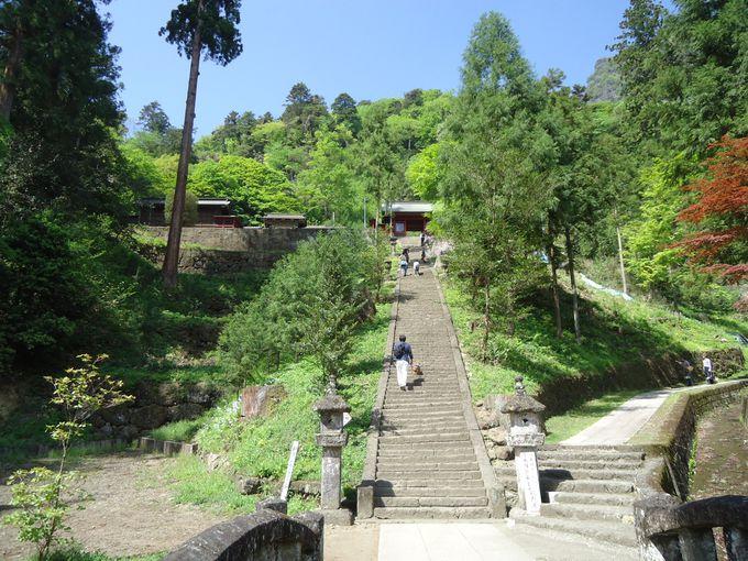 波己曾神社と石塔寺
