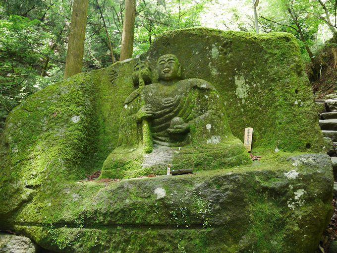弘法大師が一晩で爪でお地蔵様を彫った!?