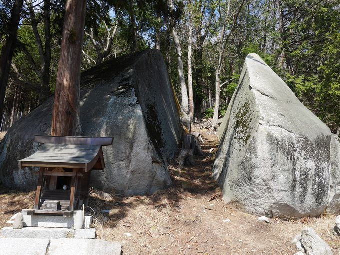 巨石から観音様…パワスポ伝説