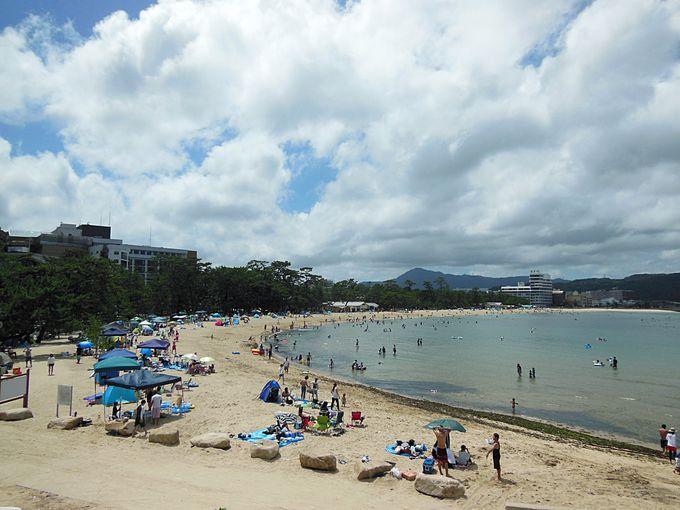 淡路島人気No.1「洲本・大浜海水浴場」と夕日の名所「慶野松原海水浴場」