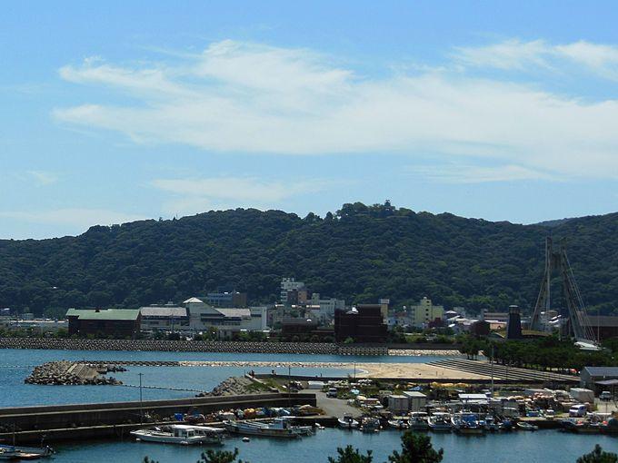 大浜近くの穴場ビーチは「炬口海水浴場」