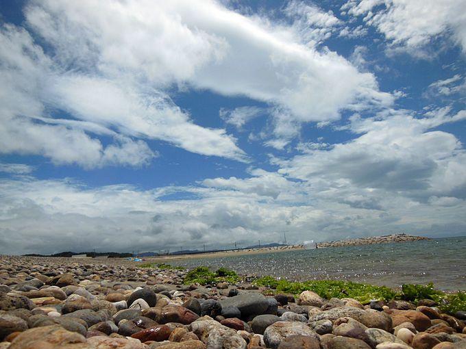 玉砂利が美しい「五色浜海水浴場」&「新五色浜県民サンビーチ」