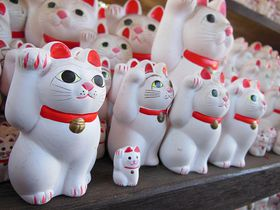 開運良縁のパワースポット!招き猫発祥の東京・豪徳寺で福招き!