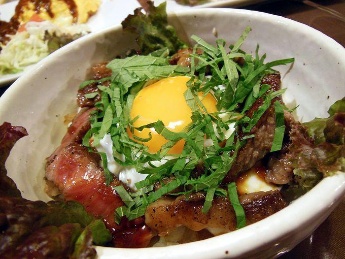 あわじ玉卵(たまらん)牛ステーキ丼