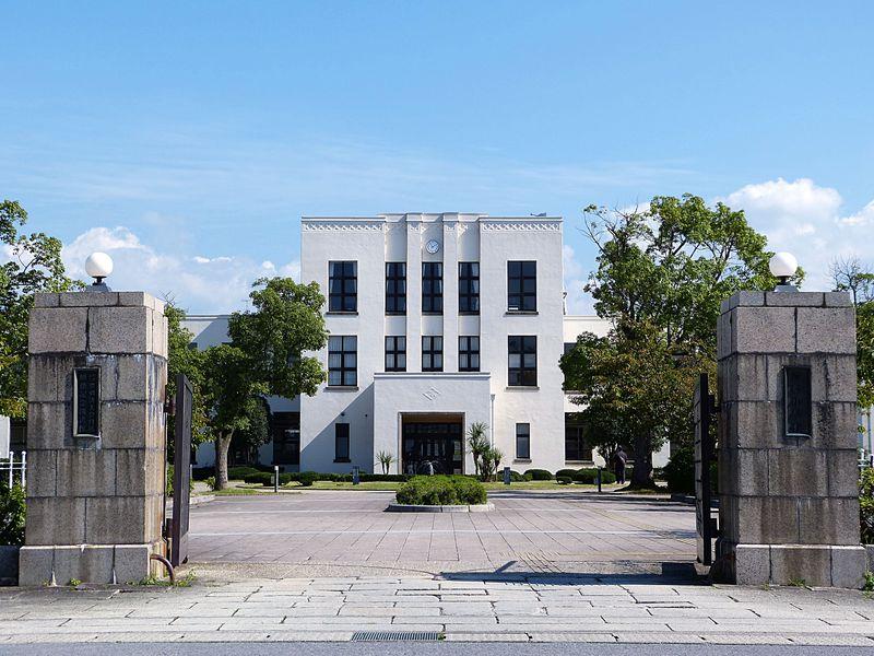滋賀・豊郷小学校!ヴォーリズ建築の白亜の殿堂で聖地巡礼?