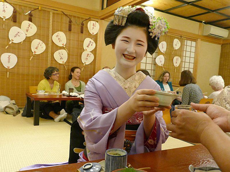 京都で舞妓さんとお座敷遊び!じつは一見さんも大歓迎なの?