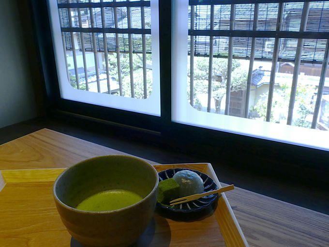 抹茶館でゆったりとお茶や抹茶ソフトクリームという贅沢