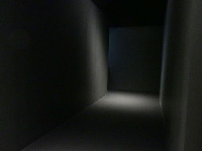 ルートはない。暗闇さえ作品の一部