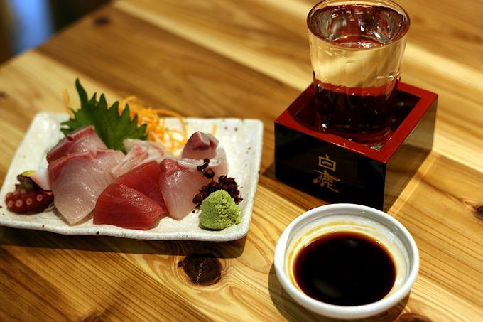 お酒もシメも美味しい湊川大食堂