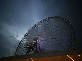 逃げ場のないホラー観覧車!123mのオオサカホイールで恐怖体験