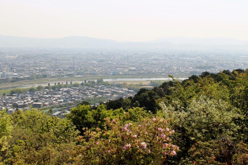 山頂から一望できる嵐山のパノラマ絶景!
