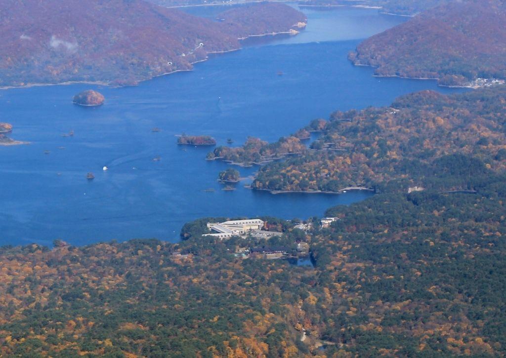桧原湖湖畔に佇む抜群の立地に旅の楽しみも倍増!