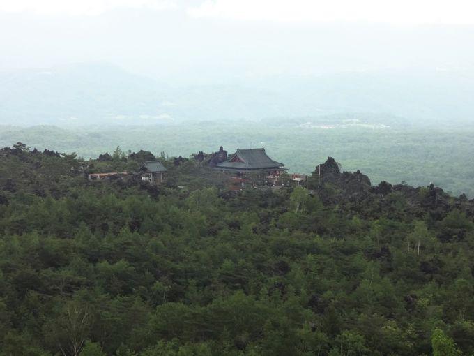 浅間山の大噴火が創り出した絶景「鬼押出し園」