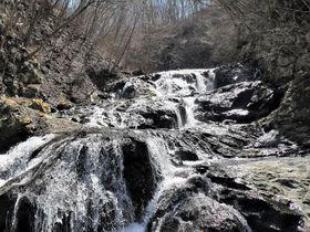 北軽井沢「浅間大滝&魚止めの滝」静かな山あいを流れる名瀑