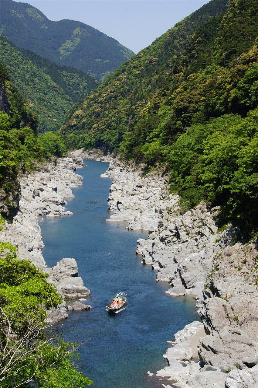四国のまんなかで吉野川観光船と妖怪との出会い「大歩危峡」(徳島県)