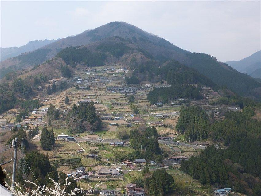 古民家は国の重要伝統的建造物群保存地区の中