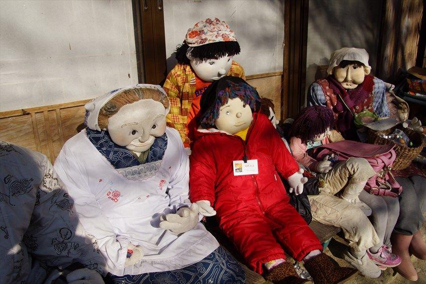 徳島県奥祖谷、秘境で暮らす大勢の「かかし」たちとの出会い