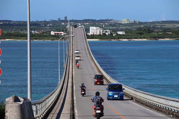 宮古ブルーの絶景を渡る「来間大橋」