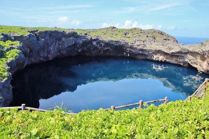 下地島の代表的観光スポット「通り池」