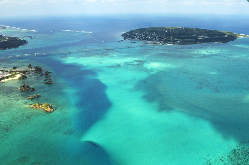 絶景ッ!沖縄「古宇利大橋」でエメラルドグリーンの海を渡ろう!