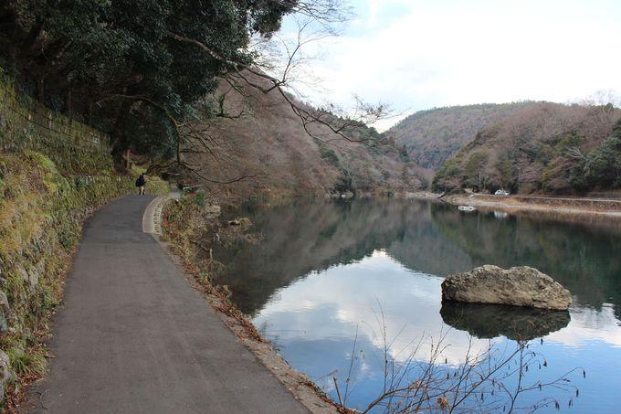 嵐山のシンボル・渡月橋を上流へ