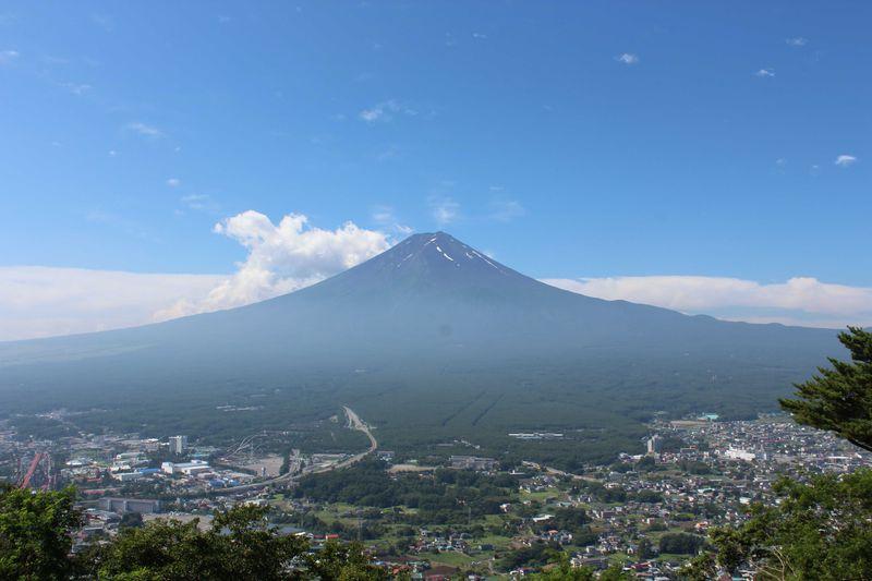 富士山の大パノラマ!「カチカチ山ロープウェイ」
