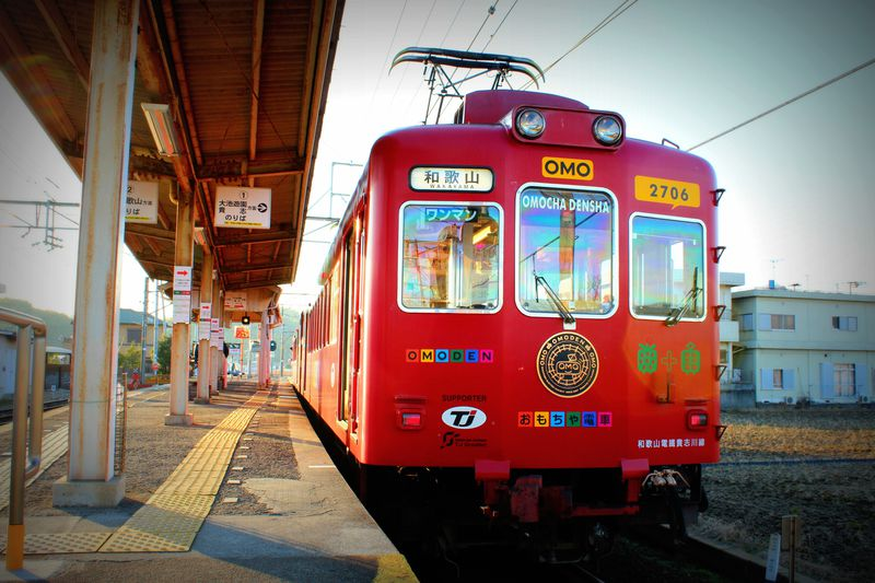 車内にカプセルトイ!?子供が喜ぶ和歌山電鉄『おもでん』に乗ろう!