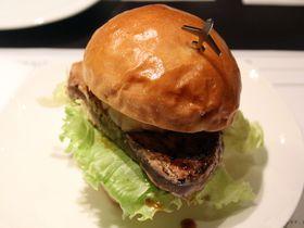 「ダグズ・バーガー」は宮古島の絶品地産地消バーガー!