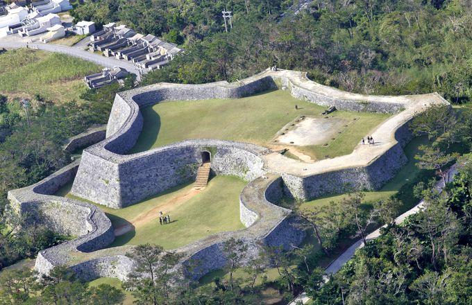 沖縄の世界遺産の一つ「座喜味城跡」