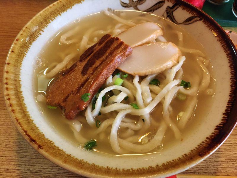 沖縄そばの名店「元祖大東ソバ」の至高の麺は南大東島の恵み!