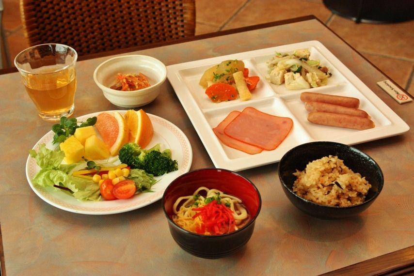 沖縄フードが楽しめる、嬉しい朝食